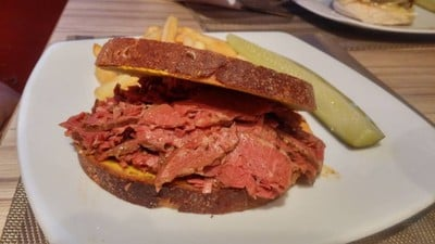 Pastrami on Rye & American Pizza Factory Thailand