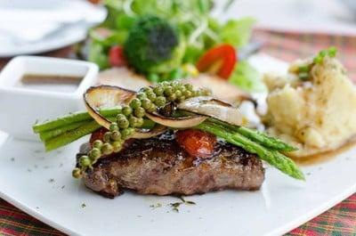 Chef Waan Cafe' & Steak (Chef Waan Cafe' & Steak)