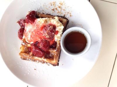 SALA Waffle with Strawberry