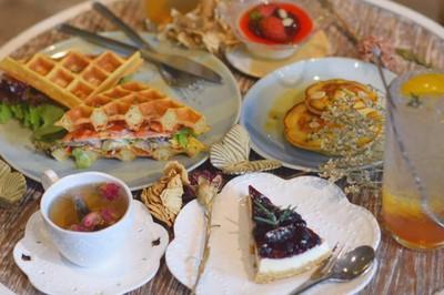 Chuanpisamai cafe (ชวนพิสมัย คาเฟ่)