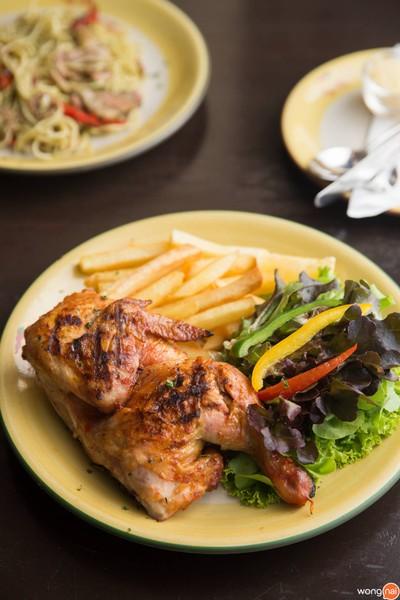 Piri-Piri Flaming Chicken สยามพารากอน