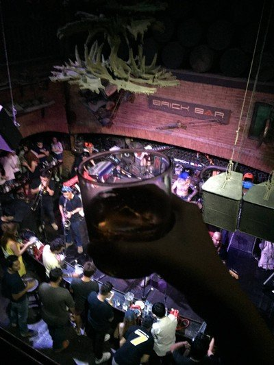 Brick Bar (บริค บาร์) ข้าวสาร