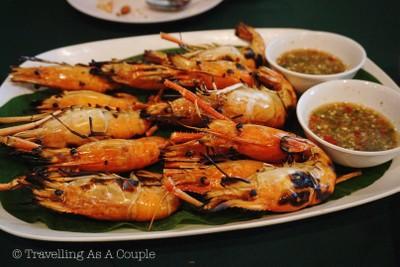 สวนอาหารไทรทองริเวอร์ (Saithong River Restaurant)