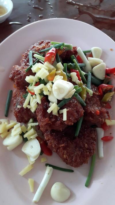 ปลาน้ำโขง (Pla Nam Khong Restaurant)