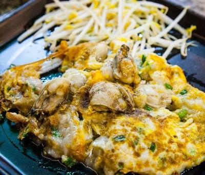 หอยทอดชาวเล (Hoi Tod Chaw-Lae) ทองหล่อ