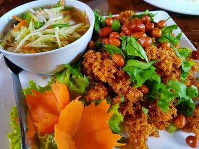 ข้าวเม่า-ข้าวฟ่าง (Khaomao Khaofang restaurant) แม่สอด