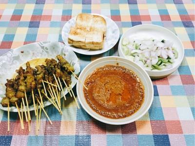 ฮารูน สะเต๊ะ ผัดไท หอยทอด