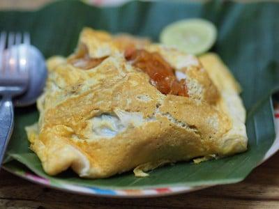 ผัดไทยห่อไข่กุ้งสด ต้องลอง😊