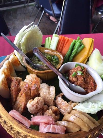 เฮือนห้วยแก้ว (Huen Huay Kaew Restaurant)