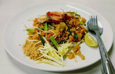 ผัดไทยอาปุ๊กุ้งสด (A PU PHAT THAI KUNG SOT RESTAURANT)
