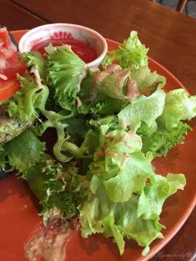 Broccoli Quinoa Charcoal Burger
