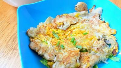 อยากจะเรียกว่าหอยทอดมากกว่านะ แต่เปลี่ยนหอยเป็นไก่