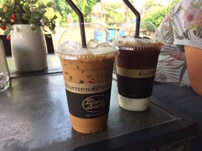 Blue Lemon Coffee สามชุกตลาดร้อยปี
