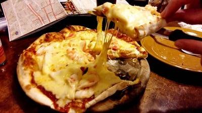 koh lanta pizzeria (พิซซ่า ลันตา) ถนนจักรพงษ์