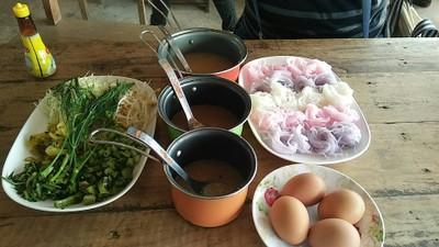 ร้านขนมจีนคุณยายน้อย วัดผาซ่อนแก้ว (Kunyay Noi Noodle)