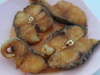 ปลาคังทอดราดน้ำปลา ฿200