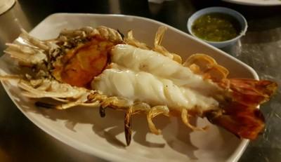 เรือโป๊ะ Seafood By แสนสมบูรณ์