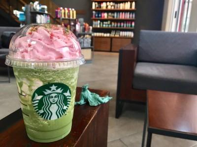 Green Tea Strawberry Blossom Frappuccino##1
