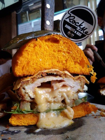 Rock Me Burgers & Bar (ร๊อค มี เบอร์เกอร์ แอนด์ บาร์)