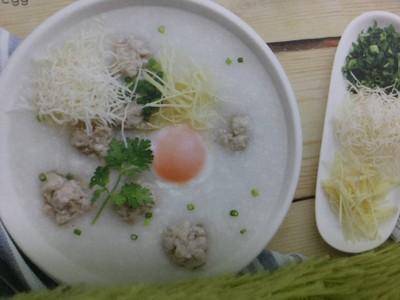 โจ๊กหมูคุโรบูตะ+ไข่ลวก