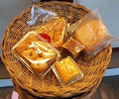 PonMaree Bakery สาขาอนุสาวรีย์ชัยสมรภูมิ (พรมารีย์เบเกอรี่) อนุสาวรีย์ชัยสมรภูมิ (ฝั่งพหลโยธิน)