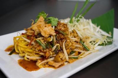 ผัดไทยกระทะเหล็ก (Padthai Kratalek) กาญจนบุรี