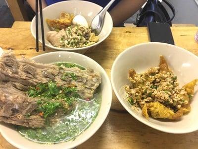 ก๋วยเตี๋ยวตรอกโรงหมู (Trokrongmoo noodle) สาขา 1