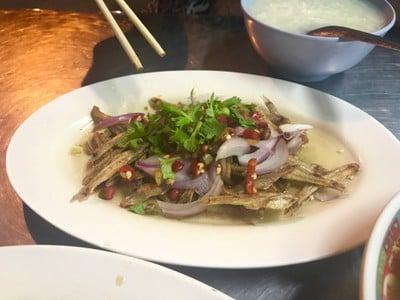 ร้านข้าวต้มจอย (KHAO TOM JOY RESTAURANT)