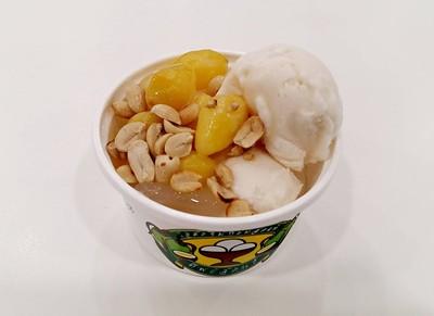 ไอศกรีมกะทิสดแท้ทิพย์สุคนธ์ Tesco Lotus ประชาชื่น