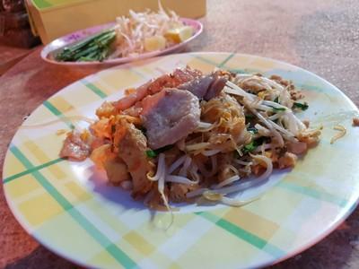 เล็กผัดไทย