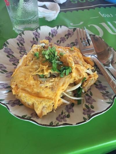 ผัดไทยห่อไข่เจ๊ม่วย @ ตั้วเกา (Padthai Jae Muay)