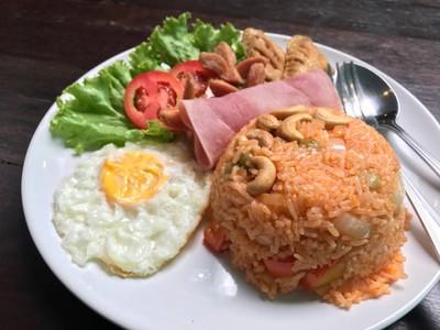 Hulk Coffee & Restaurant (เดอะฮัค)