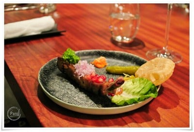 Pork ribs, Pickles and bread