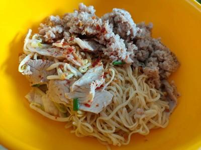 รุ่งเรือง ก๋วยเตี๋ยวหมู (Rung Rueang Noodle)