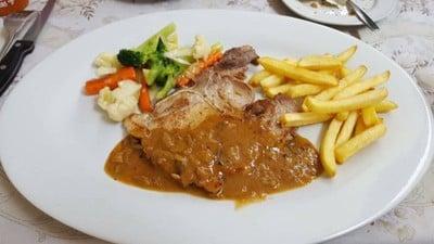 สเต็ก บ้านตราใจ (Trajai Steak House)