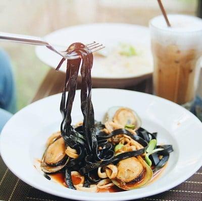 the jeerang art cafe'