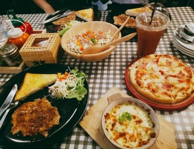 Let's Eat  by JIPATA บ้านโป่ง ราชบุรี