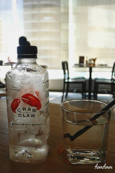 Water (40฿++)