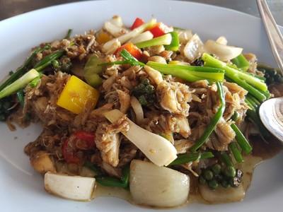 เนื้อปูผัดพริกไทยดำ