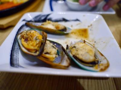 หอยแมลงภู่นิวซีแลนด์อบเนยกระเทียม