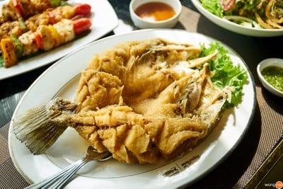 แหลมเจริญ ซีฟู้ด (Laemcharoen Seafood) เอ็มควอเทียร์