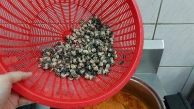 วิธีทำ แกงคั่วหอยขมใบชะพลู