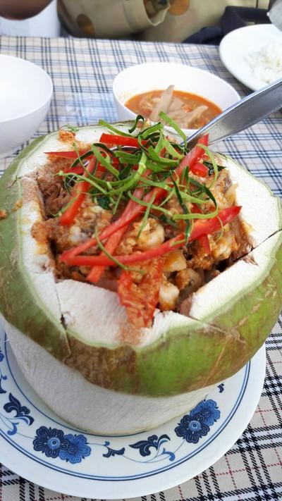 แพภูฟ้าไทย (Pae Phufa Thai Restaurant)