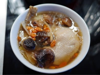 วิธีทำ ไก่ตุ๋นยาจีน