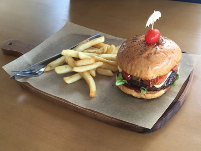 Dry Aged Burger by best country beef เนเบอร์เซ็นเตอร์ วัชรพล