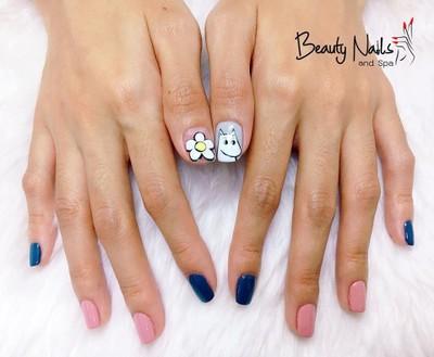 Beauty Nails and Spa หลังตลาดนัดรถไฟรัชดา