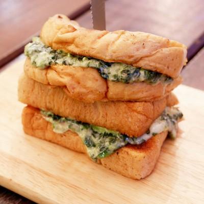 ขนมปังผักโขมชีส##1