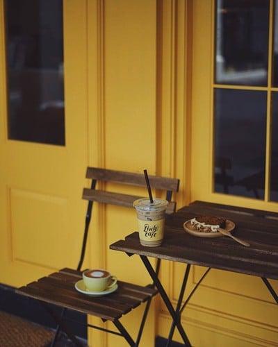 Lively Cafe