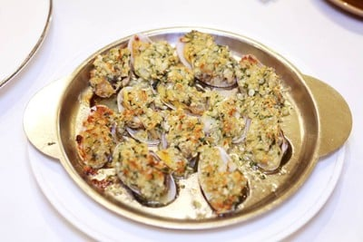 Baby Clam With garlic Sauce