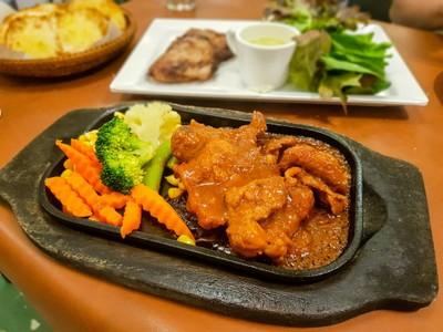 Garden Steak (การ์เด้นสเต็ก) การ์เด้นสเต็ก